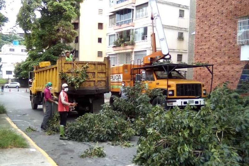 José Elarba-Fospuca-continúa-con-sus-labores-de-limpieza-en-Baruta-Chacao-y-El-Hatillo